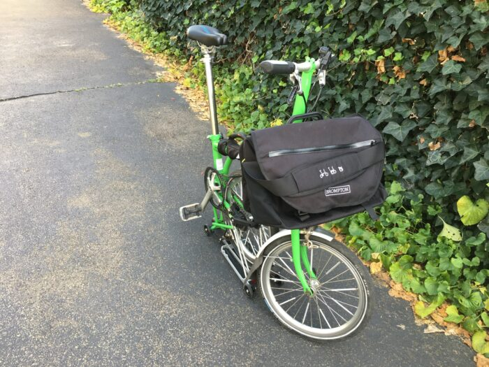 With the S-Bag clipped onto the front luggage block, the Brompton is ready for some foldable bike shopping.