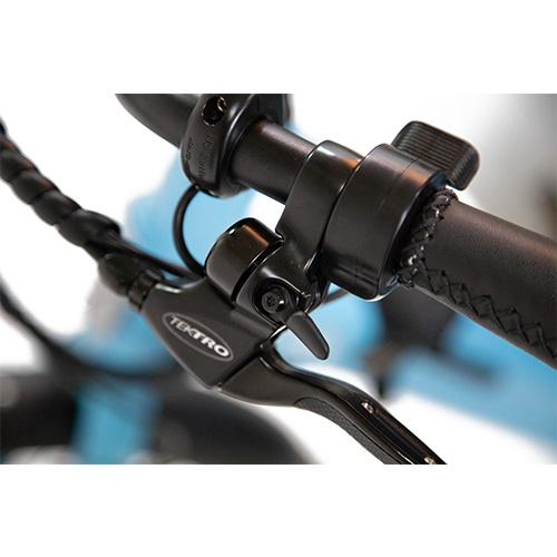 Blix Packa has a small but loud bell that is conveniently integrated into the left brake lever.