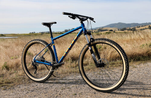 "Tubeless-ready 32mm internal dimension rims and 2.6"" tires give the Pine Mountain a comfortable ride with huge traction and ability to roll up and over large obstacles, while still being light enough to pedal and fast enough to rip singletrack."