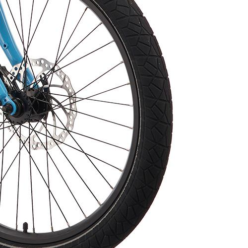 Blix Packa tires feature puncture resistant Kevlar technology to keep you rolling, and reflective sidewalls to be seen.