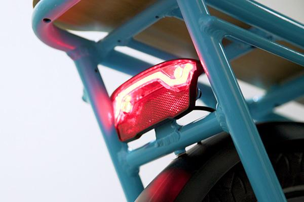 Safety features such as a built-in brake light that automatically lights up when you brake.