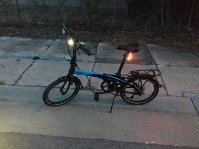 Tern Link D8 folding bike ready for anything that the night can throw at it. Love this folding bike.